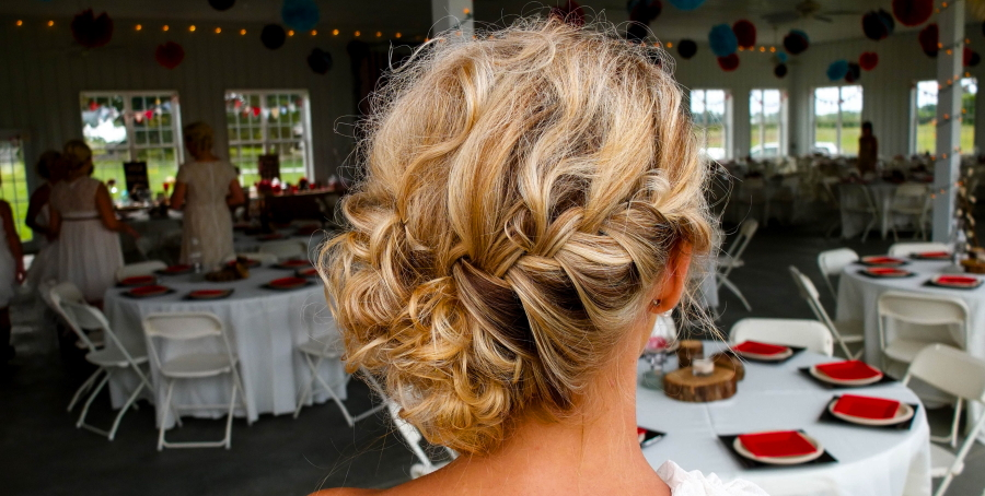 hairstyles-for-outdoor-weddings
